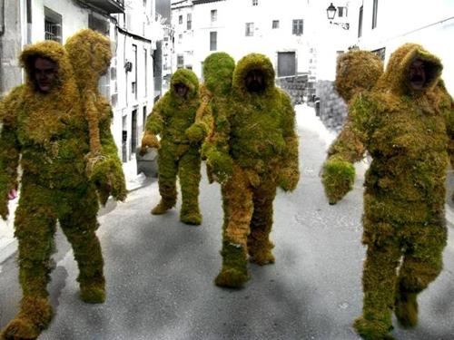 hombres de musgo