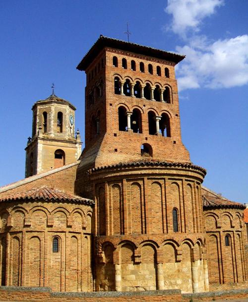 Sahagun_-_Iglesia_de_San_Tirso_06