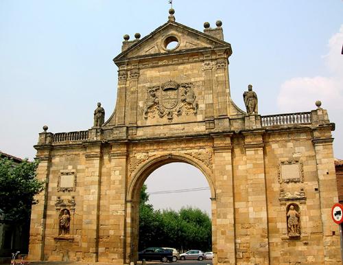Sahagun_Leon_Spain_Arco_de_San_Benito
